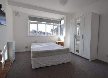 Thumbnail 4 bedroom shared accommodation to rent in Somerset Close, New Malden