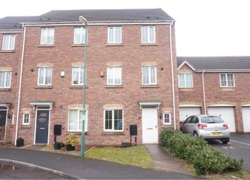 Thumbnail 4 bed town house to rent in Barrow Close, Walsall