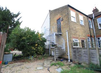 Thumbnail 2 bedroom flat to rent in Southbourne Grove, Westcliff-On-Sea