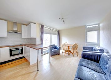 Thumbnail 4 bed flat to rent in Cedars Road, Clapham