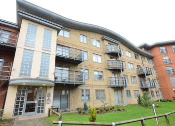 Thumbnail 2 bedroom flat to rent in Jubilee Square, Reading