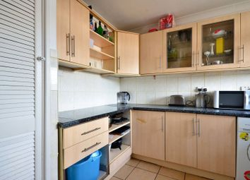 Thumbnail 4 bedroom flat to rent in Willington Road, Clapham North