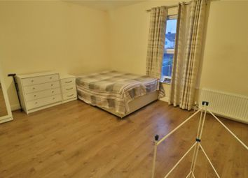 1 bed property to rent in North Street, Wellingborough, Northamptonshire NN8