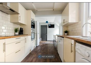 Thumbnail Room to rent in Chalkwell Road, Sittingbourne