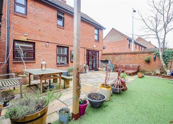 Thumbnail 4 bed detached house for sale in Avon Way, London