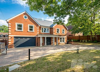 Thumbnail 6 bed terraced house to rent in Beech Hill, Hadley Wood