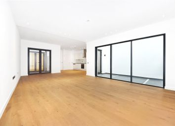 Thumbnail 2 bedroom flat for sale in Whittingstall Road, Parsons Green