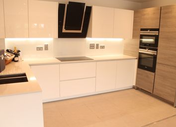 Thumbnail 2 bedroom flat to rent in Imperial Square, Hurley Court, North Finchley