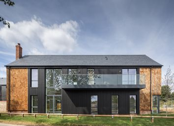 Thumbnail 5 bed detached house for sale in Channels Drive, Chelmsford