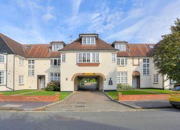 Thumbnail 2 bed flat to rent in Avenue Road, St.Albans