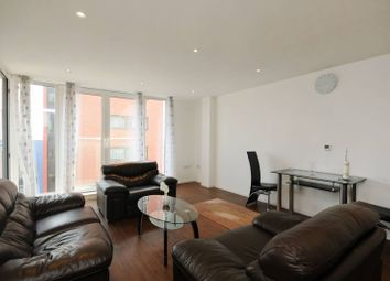 2 bed flat to rent in Oxygen Apartment, Royal Docks, London E16