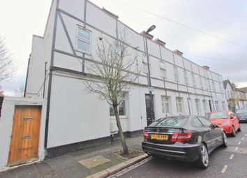 1 bed maisonette for sale in Cemetery Road, London E7