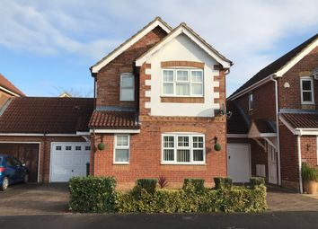 Carnation Way, Aylesbury HP21. 3 bed detached house