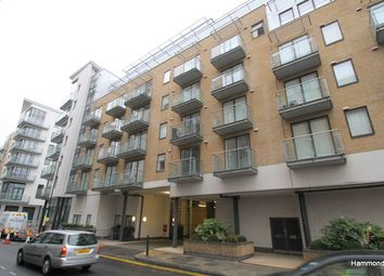 Thumbnail 1 bed flat to rent in Yeo Street, Bow, London