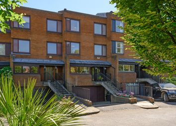 4 bed property for sale in Walham Rise, Wimbledon Village SW19