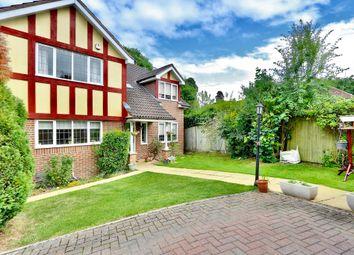 Applewood Close, Ickenham UB10. 4 bed detached house