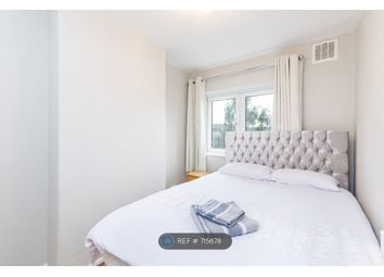 3 bed flat to rent in Godley V C House, London E2
