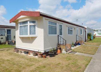 Thumbnail 2 bedroom mobile/park home for sale in Meadowview Park, Little Clacton, Clacton-On-Sea