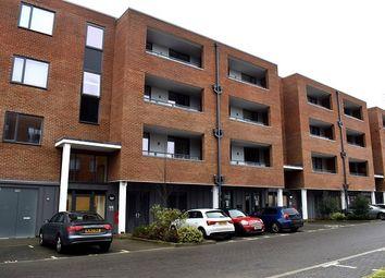 Thumbnail Studio to rent in Ladysmith Road, Harrow
