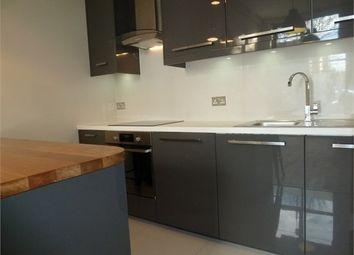 Thumbnail 2 bed flat to rent in Gwynne Road, Battersea