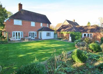 Thumbnail 4 bedroom detached house for sale in Oakley Court, Benson, Wallingford