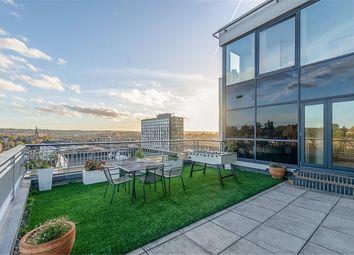 Thumbnail 3 bedroom flat for sale in Skyline Court, Park Lane, Croydon
