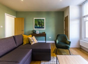 2 bed flat to rent in Worple Road Mews, Wimbledon, London SW19