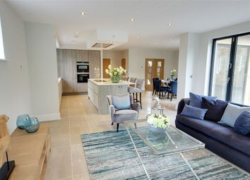 Thumbnail 5 bedroom detached house for sale in Royal Gate, Cuffley, Herts