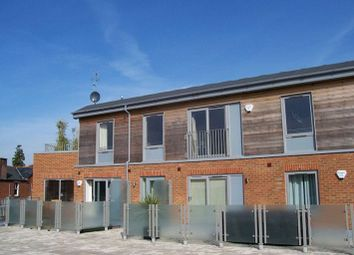 Thumbnail 2 bed flat to rent in Luna Place, Hatfield Road, St.Albans
