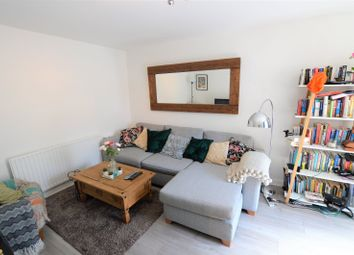 2 bed property to rent in Paxton Place, London SE27