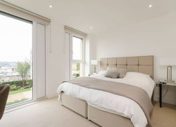 Thumbnail 4 bed flat to rent in Ravensbourne Apartments, Fulham