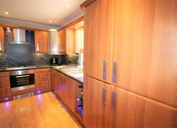 Thumbnail 2 bedroom flat for sale in Factory Road, Kirkcaldy, Fife