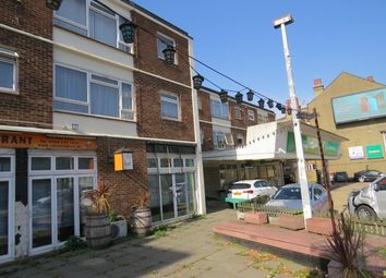Thumbnail 2 bed flat to rent in Highwood Court High Road, North Finchley
