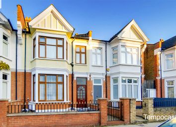 3 bed maisonette for sale in Wormholt Road, London W12
