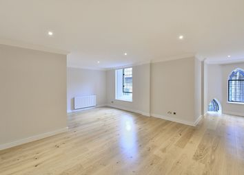 Thumbnail 2 bed flat to rent in Devonia Road, London
