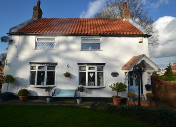 Thumbnail 2 bed detached house for sale in Trinity Grove, Hessle