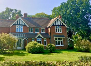 Thumbnail 5 bedroom detached house for sale in Chestnut Grove, Fleet, Hampshire