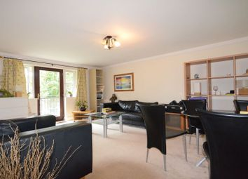 Thumbnail 2 bed flat to rent in Elliotts Way, Caversham, Reading