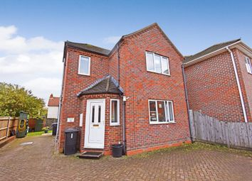 Thumbnail 1 bed flat to rent in Mill Lane, Newbury
