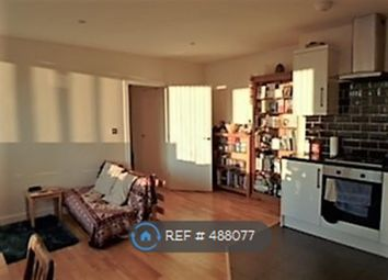 Thumbnail 2 bed flat to rent in Beulah Court, Horley