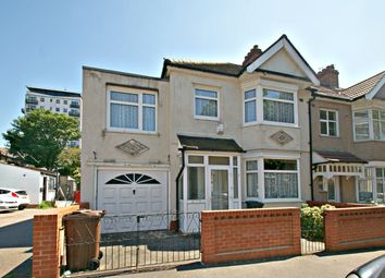Thumbnail 5 bedroom end terrace house to rent in Woodlands Avenue, Chadwell Heath, Romford