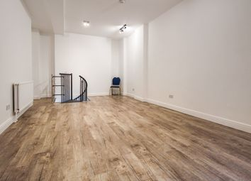Thumbnail 3 bed flat to rent in Rampart Street, London