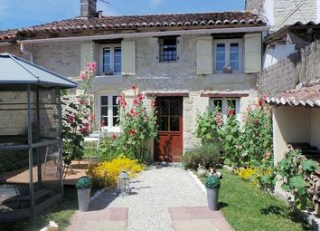Thumbnail 2 bed country house for sale in Cressé, Charente-Maritime, France