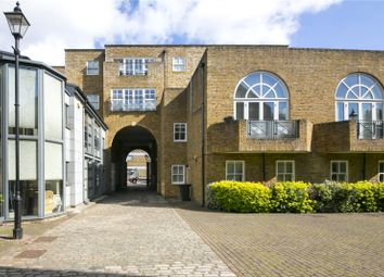 Thumbnail 3 bed flat for sale in Halliford Street, Islington
