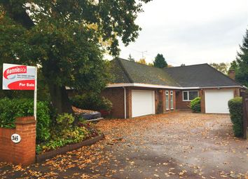 Thumbnail 3 bedroom detached house for sale in Hempstead Road, Watford, Hertfordshire
