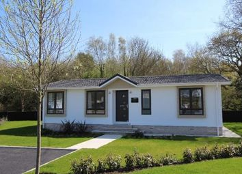 2 bed mobile/park home for sale in Satchell Lane, Hamble, Southampton SO31