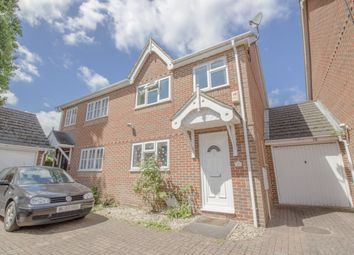 Thumbnail 3 bed property to rent in Selwyn Close, Windsor