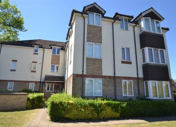 Thumbnail 1 bed flat to rent in Rosemary Lane, Horley