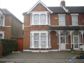 Thumbnail 4 bed property to rent in Castleton Road, Goodmayes, Ilford