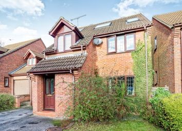 Thumbnail 5 bed detached house to rent in Emmets Nest, Binfield, Bracknell